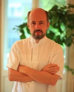Dr. Coldea Teodor (Leon Clinique) – Medicina sportiva / Acupunctura / Biorezonanta – Bucuresti
