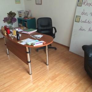 Ofer spre inchiriere cabinet cu 3 camere - Bucuresti, zona Decebal